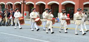 colonial band, mominthemuddle.com