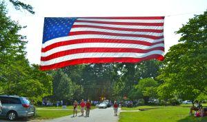 neighborhood parade flag, mominthemuddle.com